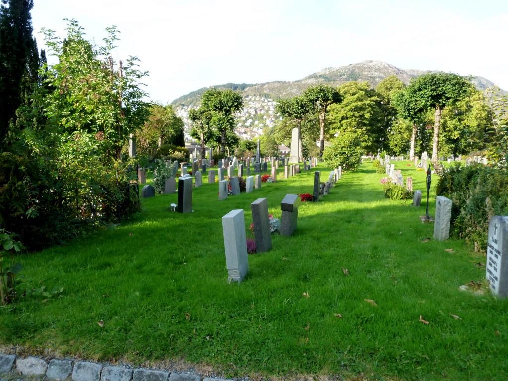 kirkegården 005