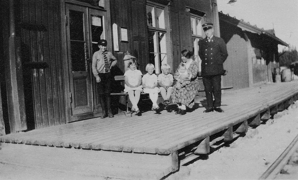 stasjonsmester på sysle og hans familie